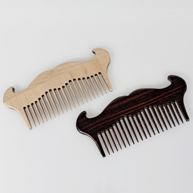 peigne-a-barbe-en-bois-selection-rc-ig-5765